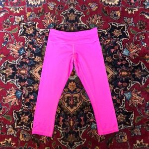 Lululemon reversible cropped capris